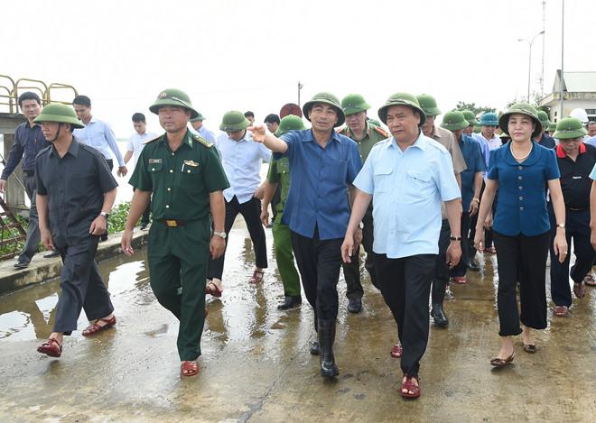 Thủ tướng Nguyễn Xuân Phúc trong chuyến thị sát tại huyện Gia Viễn, Ninh Bình