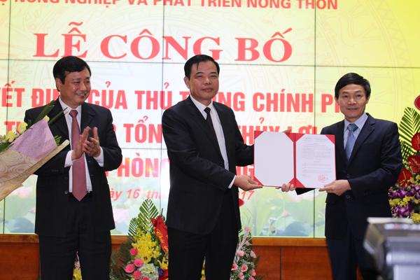 Bộ trưởng Nguyễn Xuân Cường trao Quyết định bổ nhiệm hai Tổng cục trưởng mới